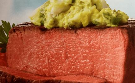 Stek Filet Mignon z guacamole krabowym – przepisy na dania z grilla Weber