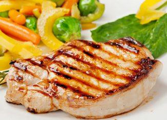 Przyrządzanie kotletów wieprzowych na grillu – 5 praktycznych porad