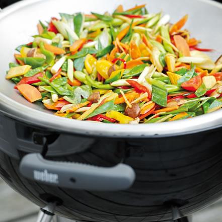 Kolorowe warzywa z woka
