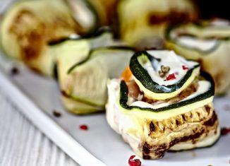 Roladki z cukinii z serem mozzarella – przepisy na dania z grilla Weber