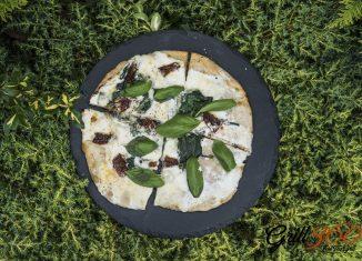 Pizza zgrilla – francuska pizza zCreme Fraiche