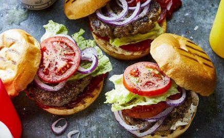Dodatki do burgerów – kilka pomysłów od Webera