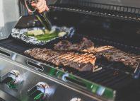 Grill na gaz – ciekawa alternatywa węglowych klasyków