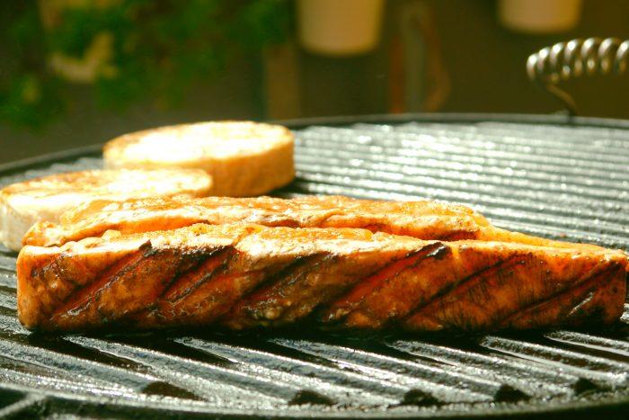 Jak zrobić marynatę na grilla? 3 proste przepisy