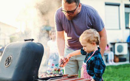 Dania z grilla dla dzieci – co może jeść dziecko? Poradnik