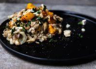 Grillowane risotto z dynią, boczniakami i kozim serem [PRZEPIS LALA COMPANY]