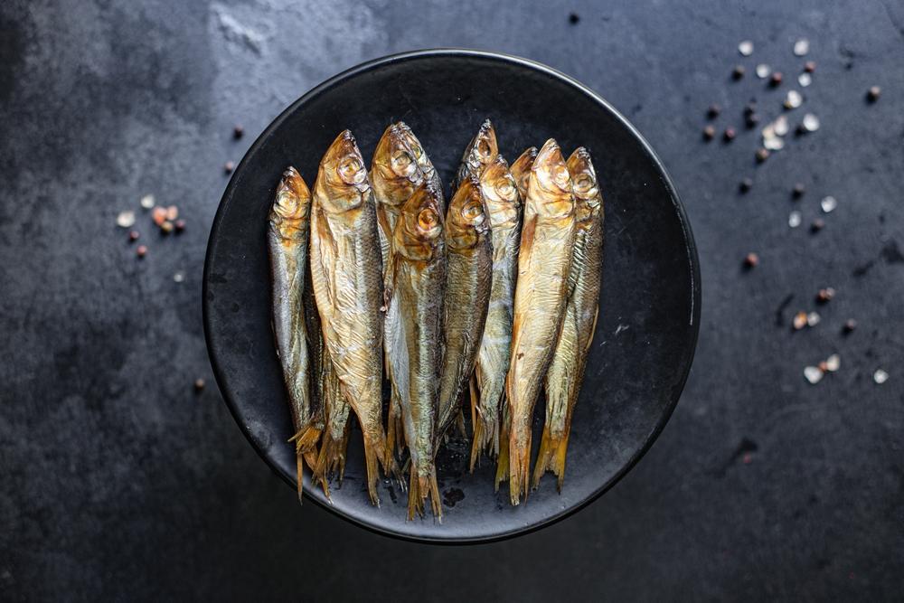 Ryby wędzone w wędzarce
