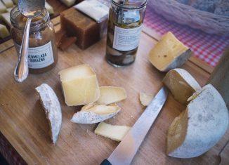 Najzdrowsze rodzaje sera [PORADNIK]