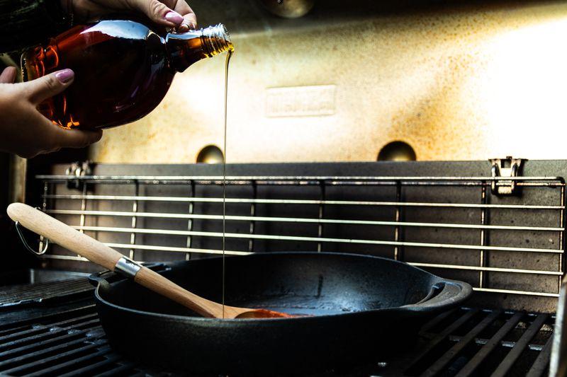 wok na grillu