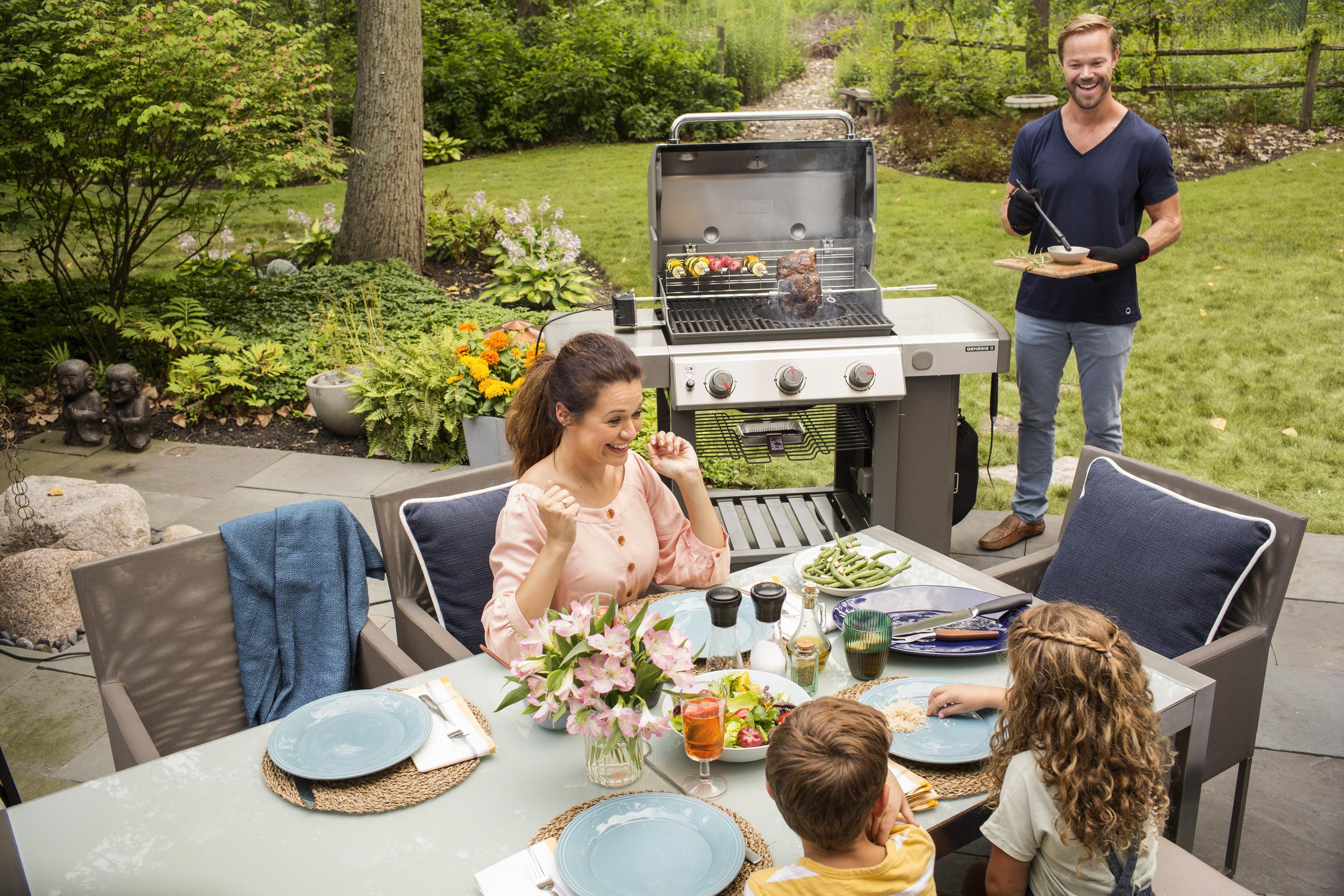 Majówka 2021 – jak się przygotować do grillowania?