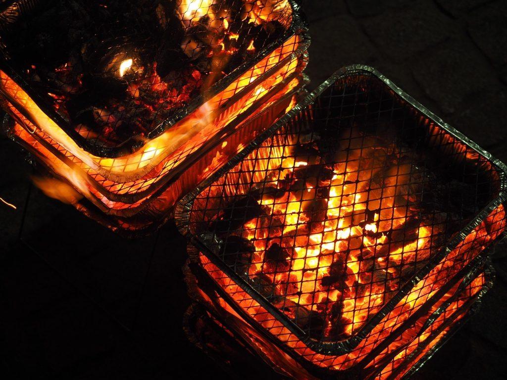 Niezdrowy grill jednorazowy