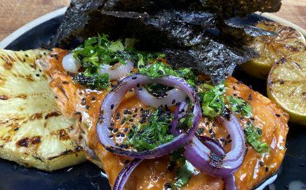 Łosoś z grilla elektrycznego glazurowany sosem Orange Habanero