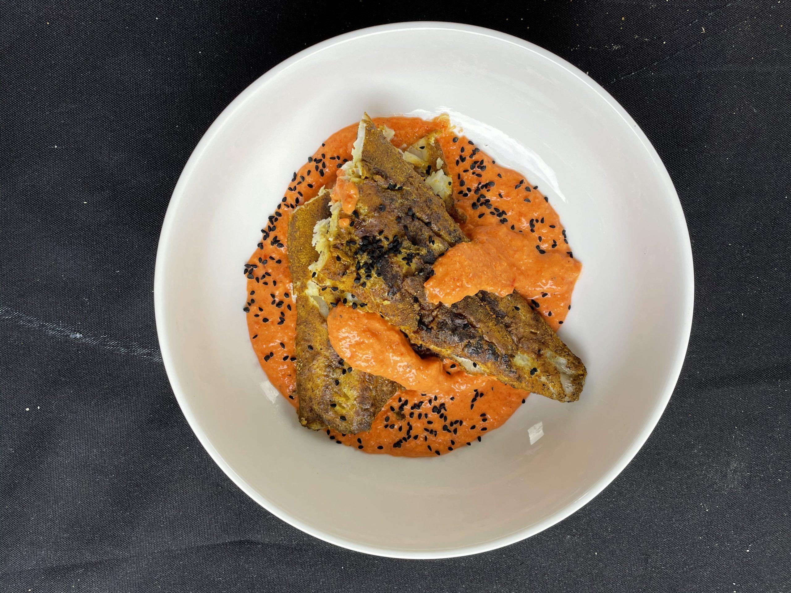 Grillowana ryba w sosie paprykowym
